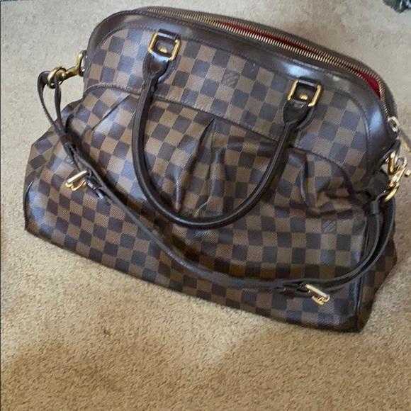 Louis Vuitton Handbags - Used but amazing bag